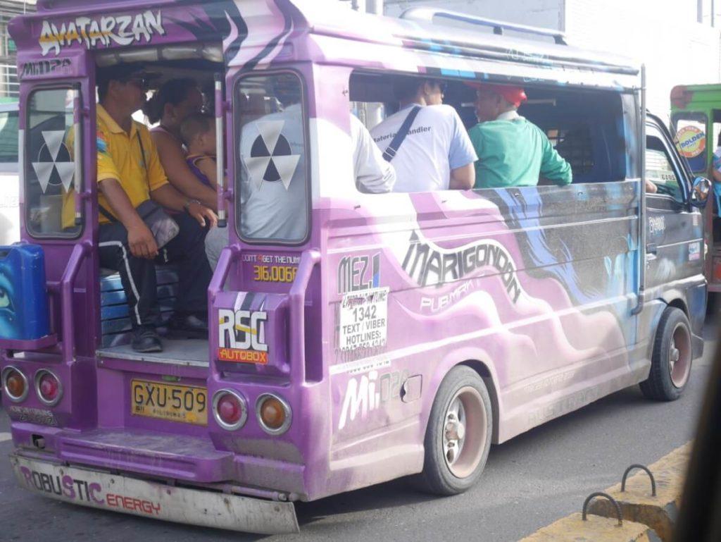 フィリピンのバス、ジプニー