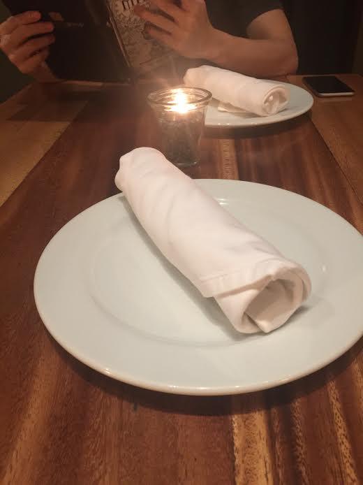 1テーブル1つローソクがついています。