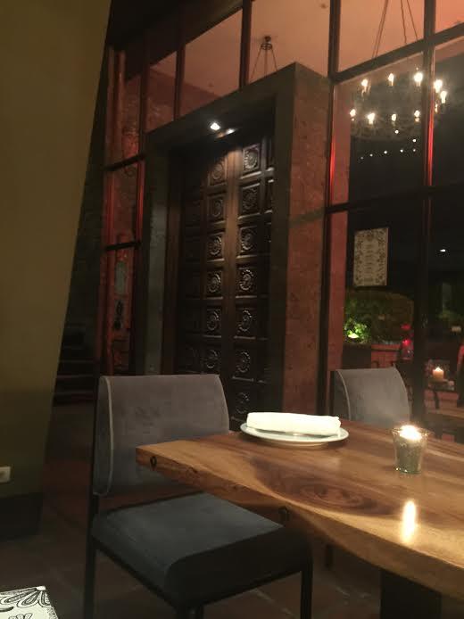 2階席は20名〜30名ほど入れる大きさです。僕がMAYAに行った時は、欧米人が予約をしていたため写真を撮ることができませんでした。