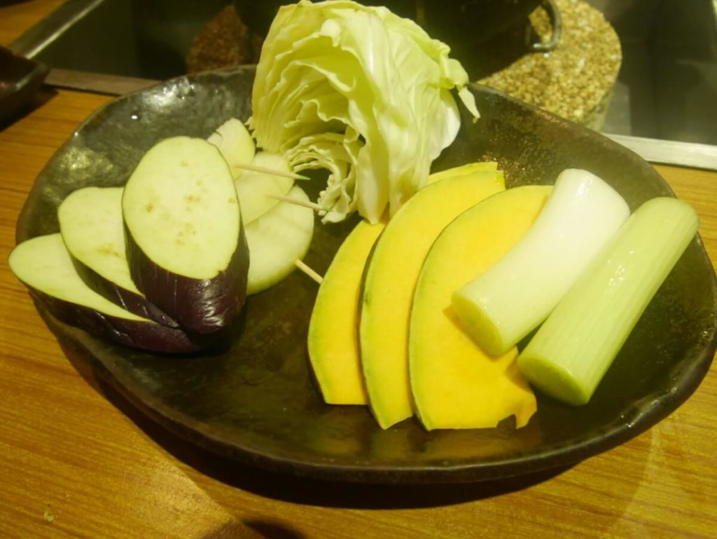 野菜も食べ放題に入っています。