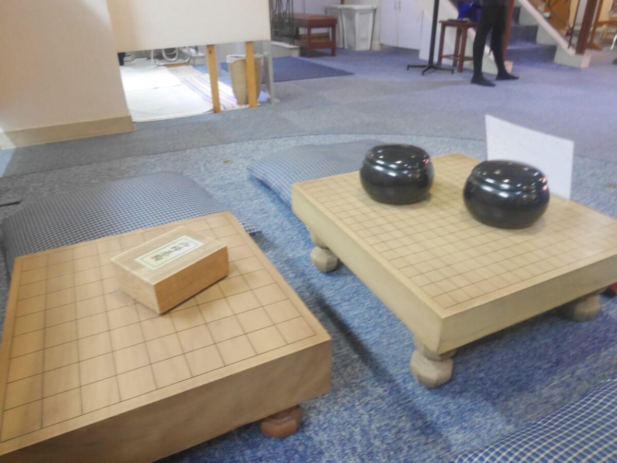 将棋と囲碁盤