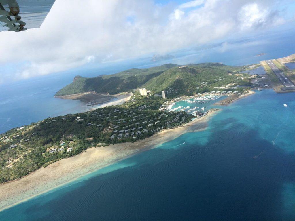プロペラ機からみたハミルトン島
