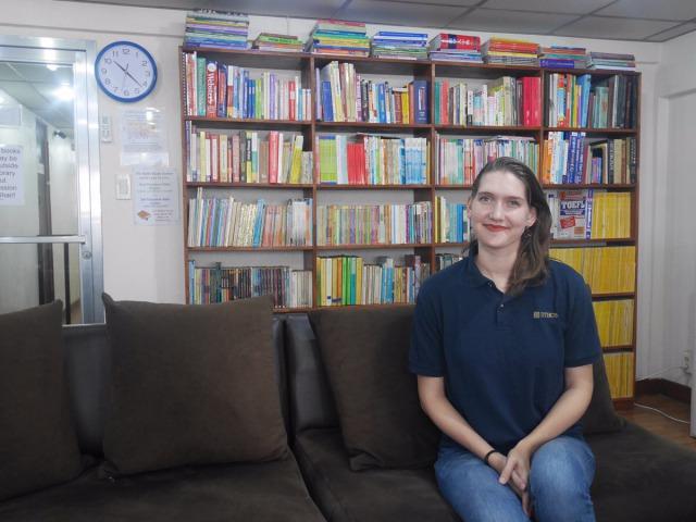 「インタビュー:エイミー編」グラマークラスを担当している美人アメリカ人講師